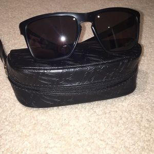 men's silver oakleys